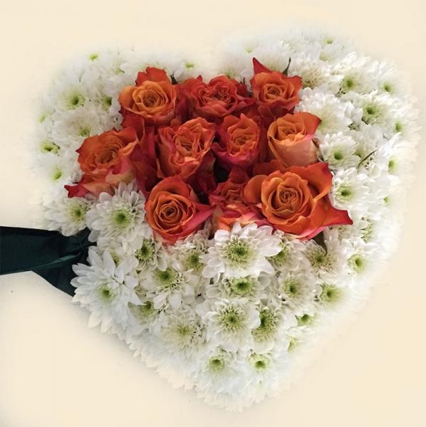 cuore-fiori-freschi-pompe-funebri-ferri