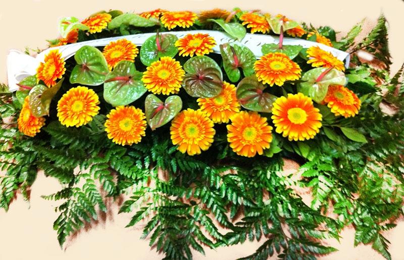 cuscino-fiori-freschi-ferri
